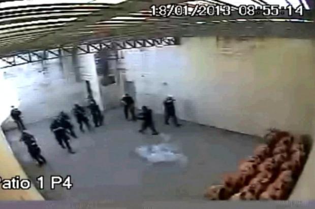 Violência de guardas prisionais na cadeia no estado Brasileiro de Santa Catarina causa 3 mortos