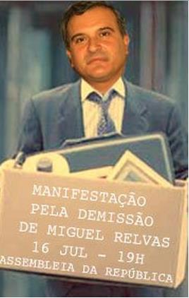 Manifestação (e petição) pela demissão de Miguel Relvas