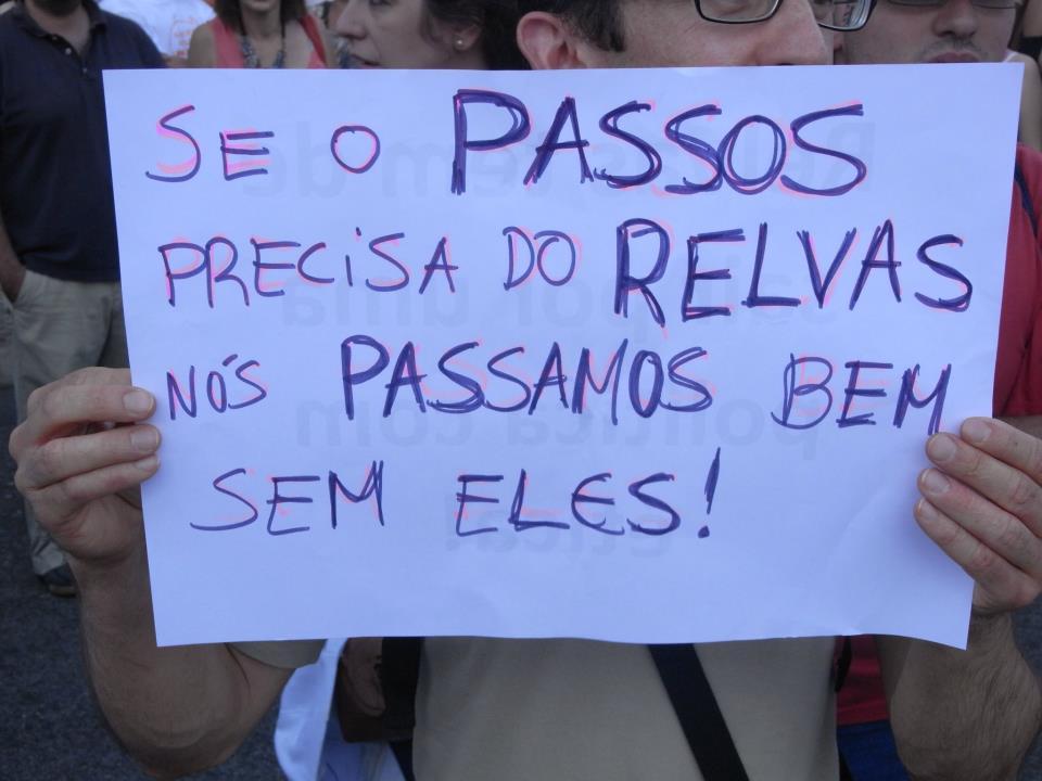 Fotos da manifestação pela demissão de Miguel Relvas em Lisboa