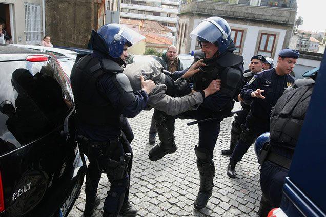 Es.Col.A: a história e a violência policial que não passa nas televisões