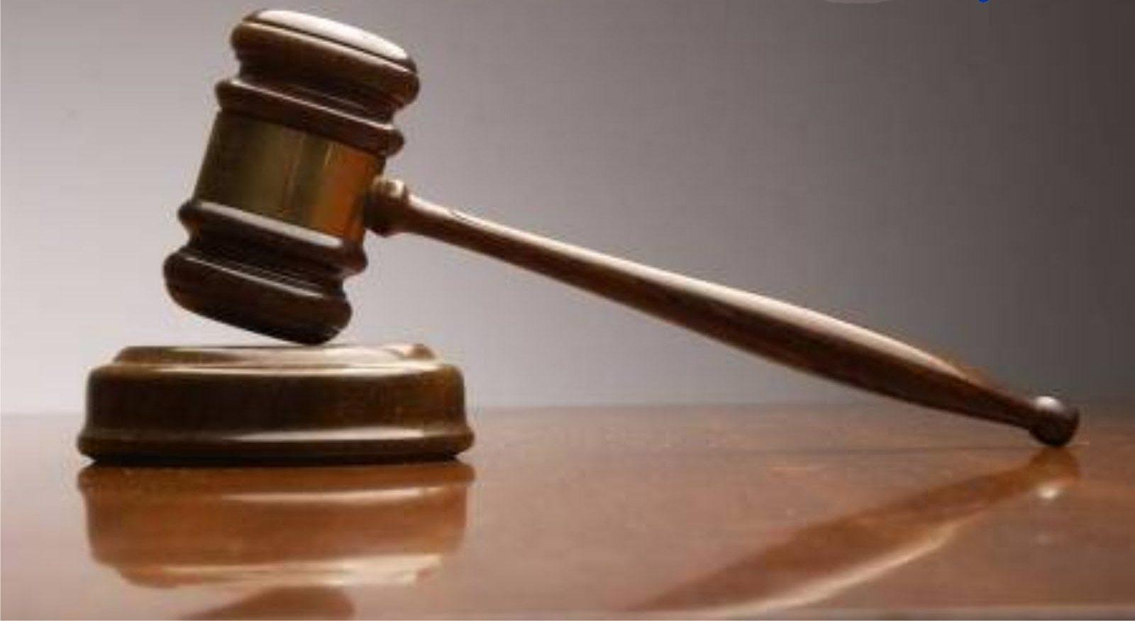 Diretor do IGFEJ acusado de participação económica e falsificação de documento