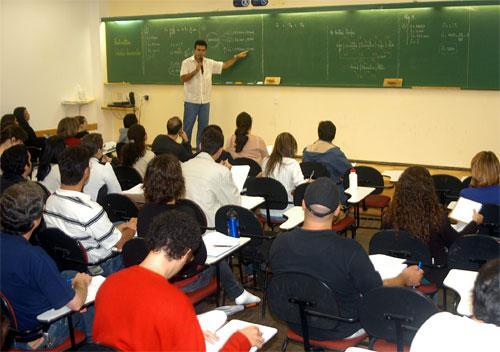 Professores a Recibos Verdes explorados na zona de Lisboa e Vale do Tejo
